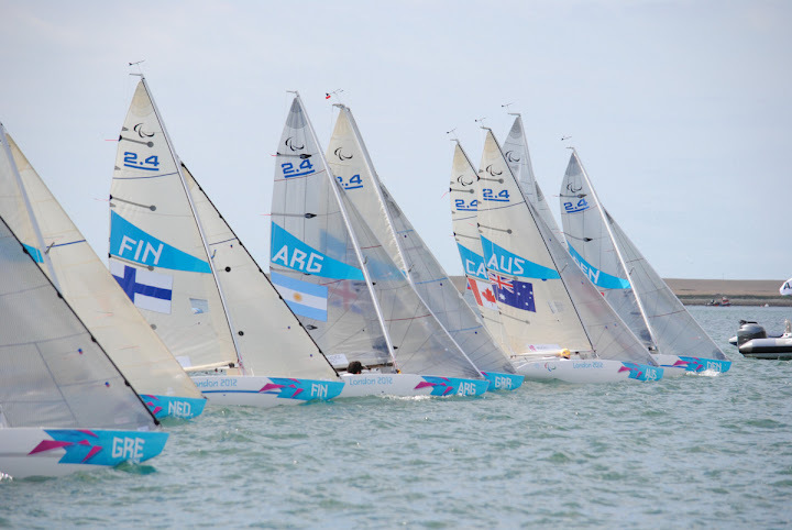 The fleet begin their practice race