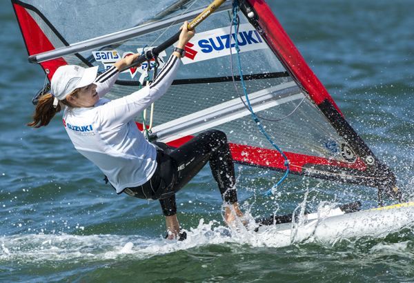 Mayaan Davidovich (ISR) took gold in the women's RS:X fleet