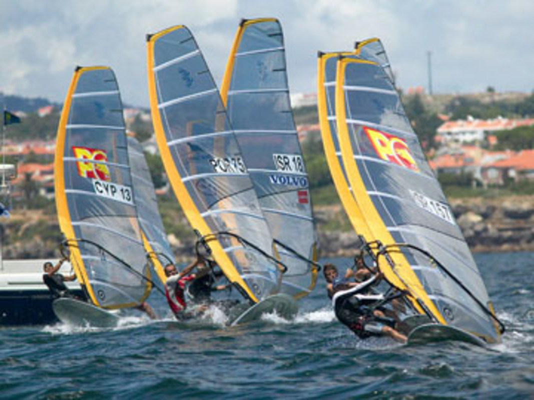 The RS:X fleet racing at the 2006 Cascais Week
