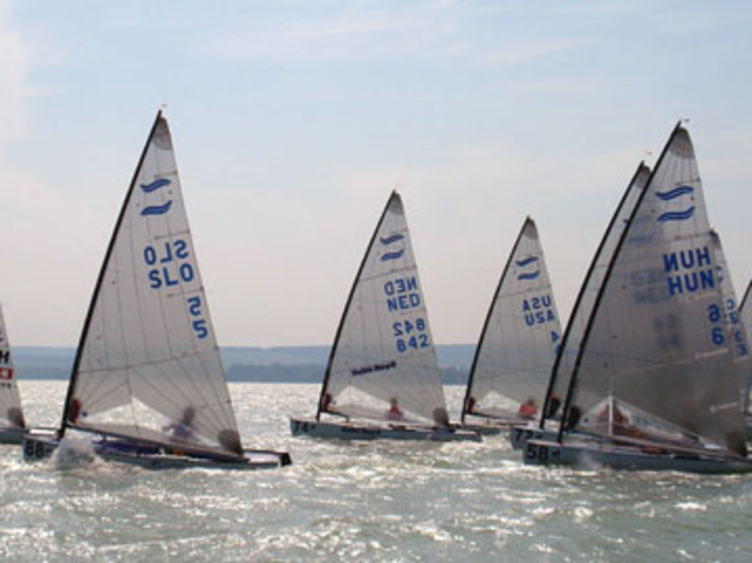 Start of race 6 at the 2006 Finn European Championship