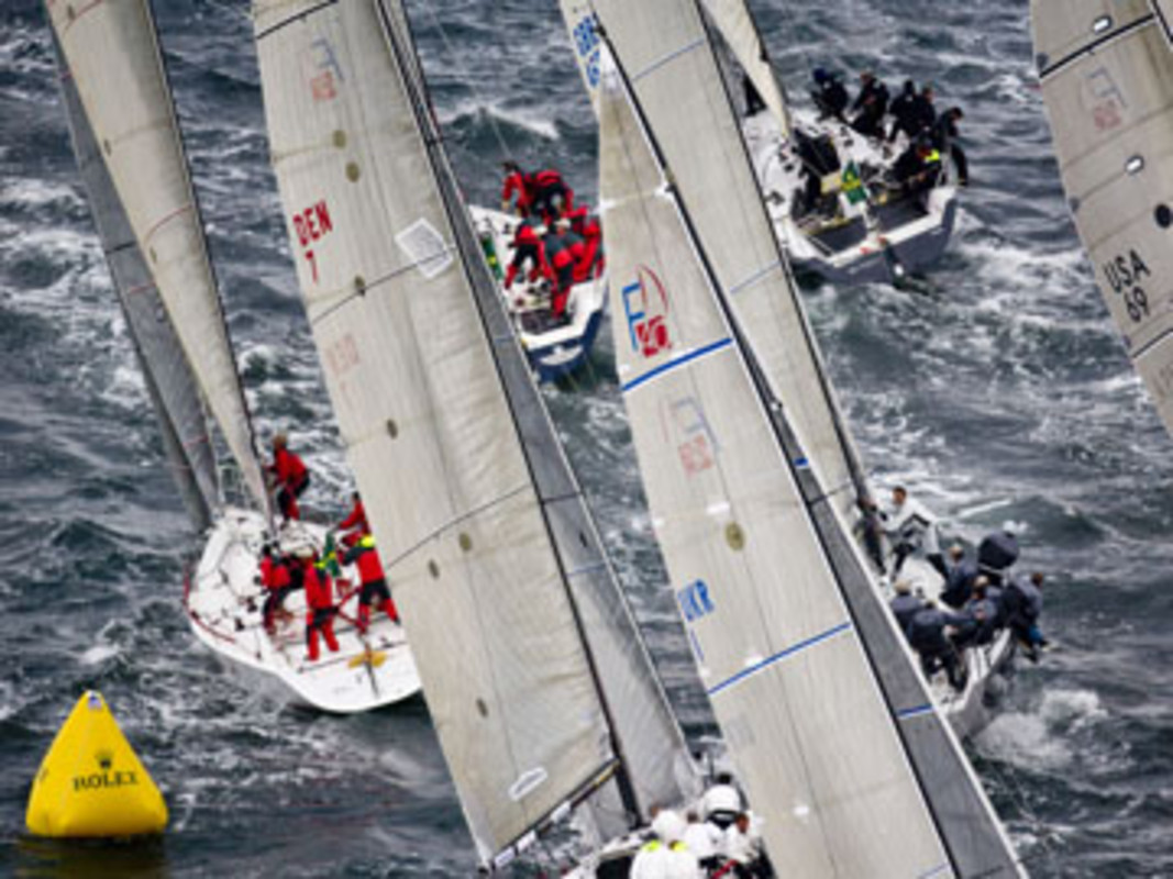 Action from the 2007 Farr 40 Worlds