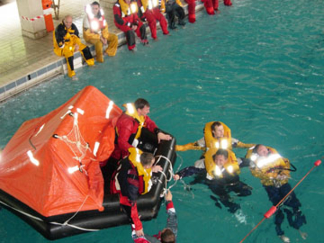 Training during the Offshore Sea Survival Course