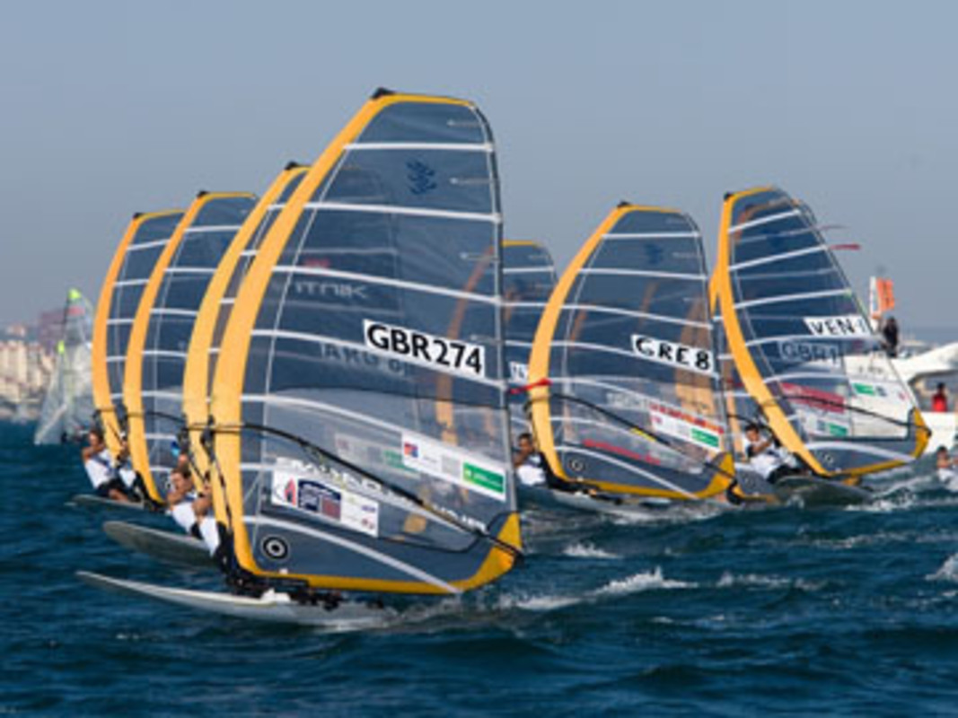 The RS:X fleet racing at the 2007 ISAF Sailing World Championships in Cascais