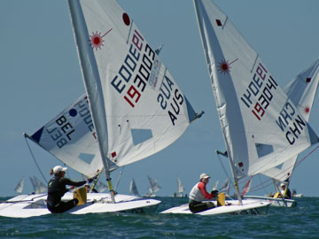 Sarah BLANCK and Lijia XU battle downwind