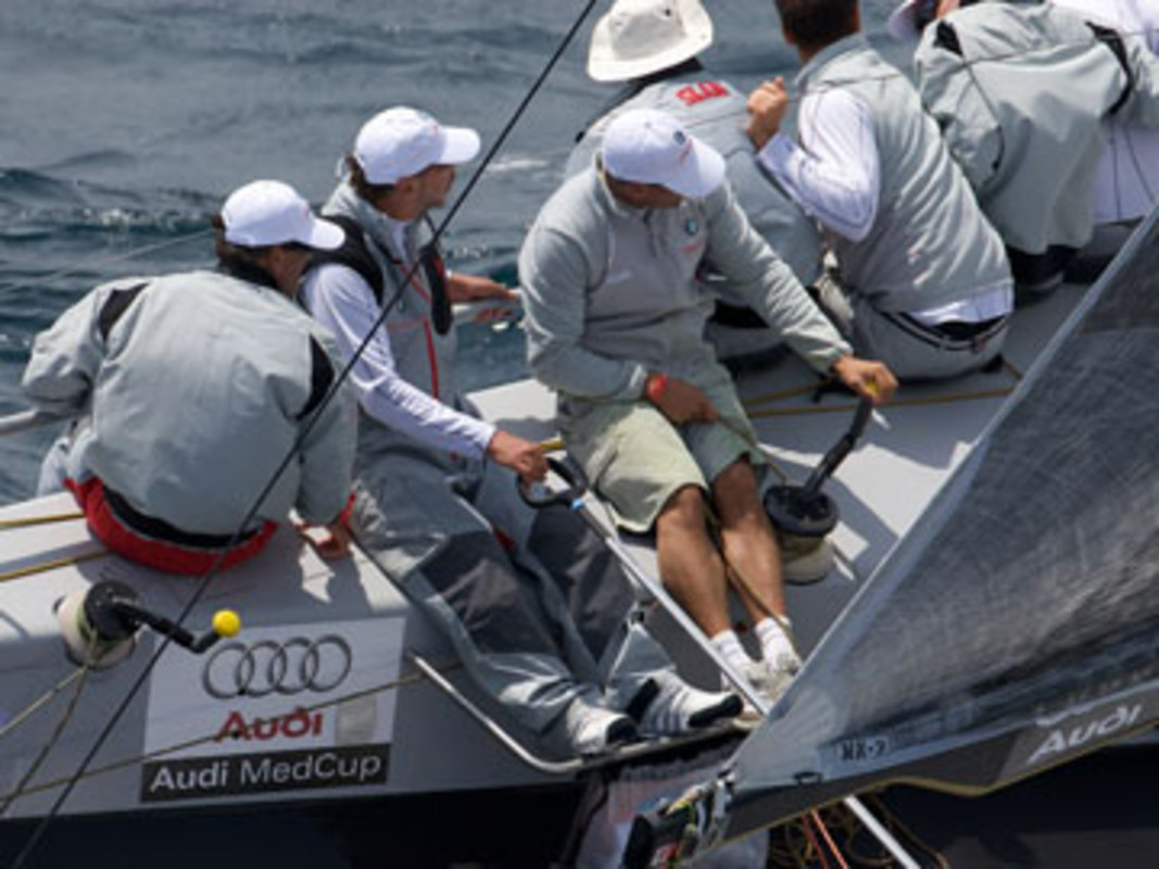 BMW ORACLE Racing in action