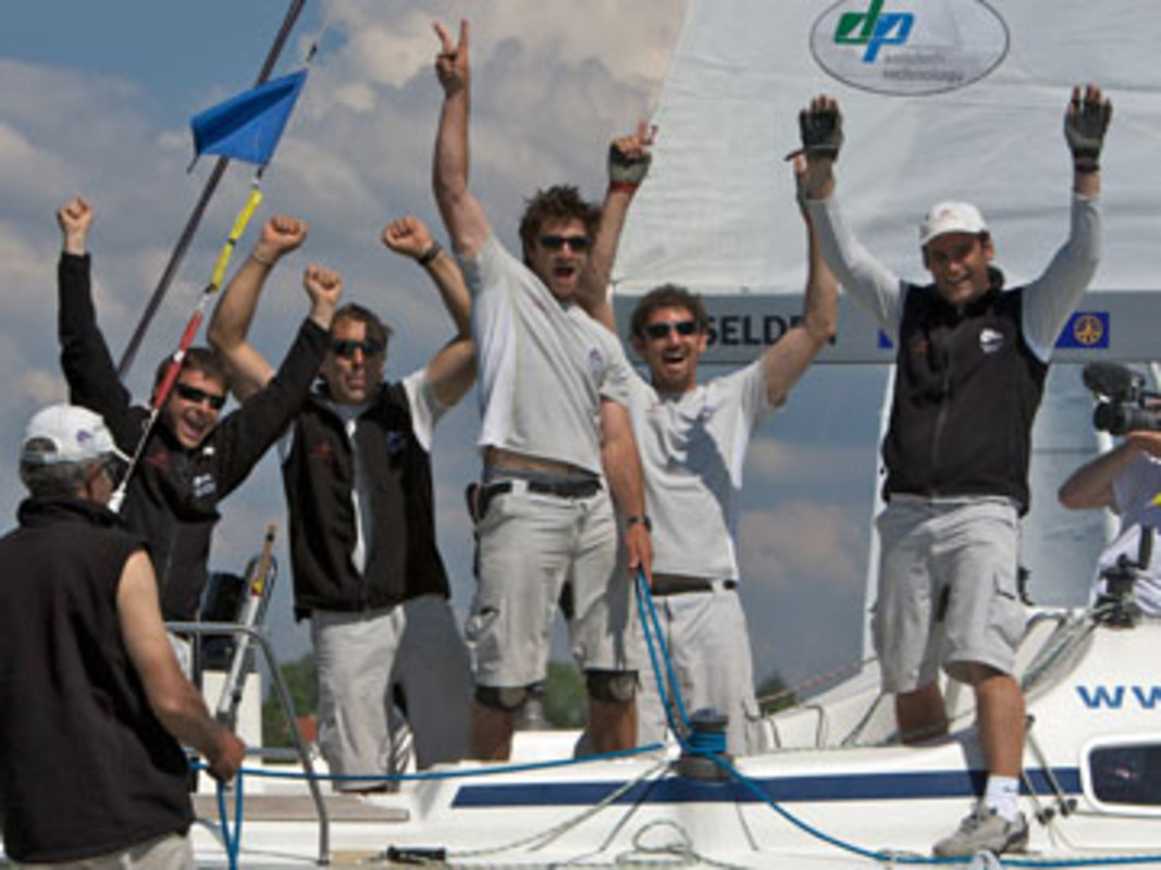 Damien IEHL and his crew celebrate victory