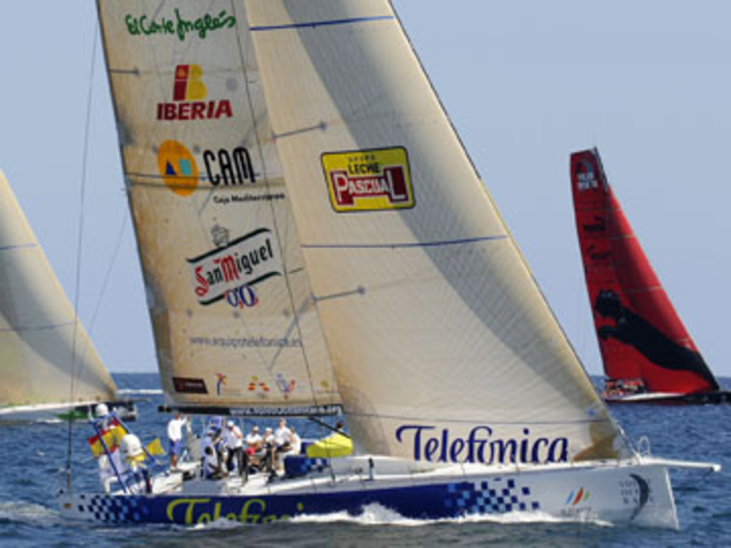 Telefónica Blue racing in Alicante