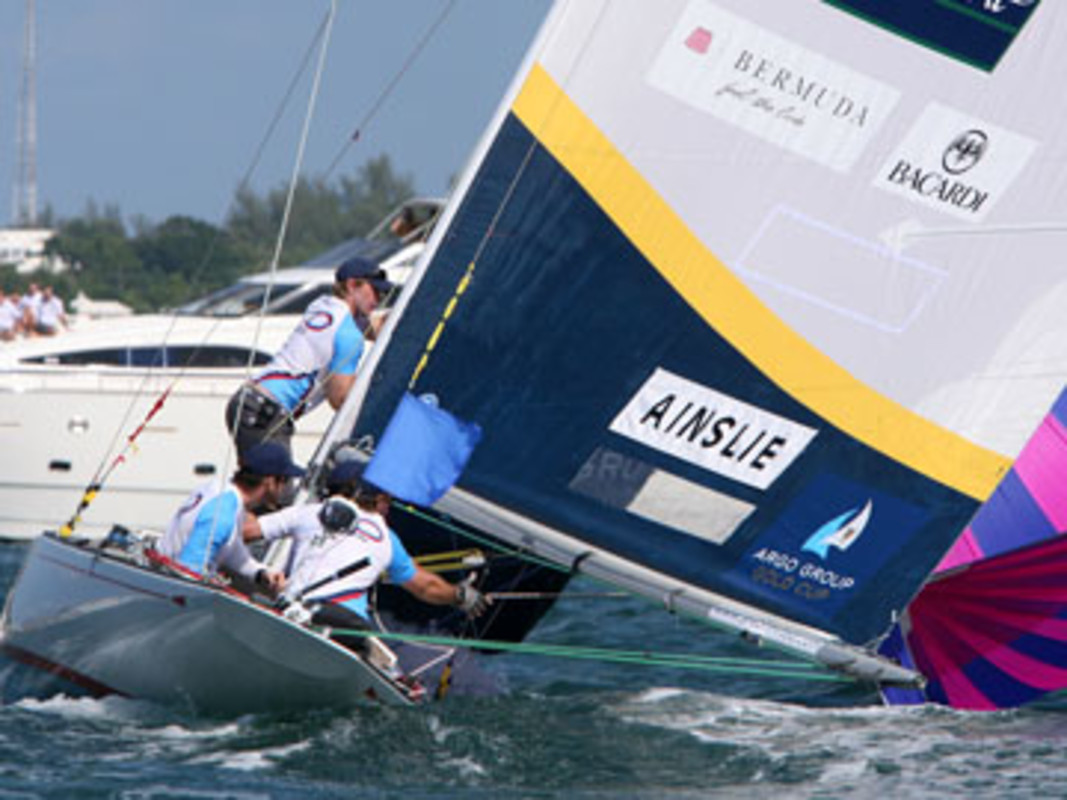 Ben Ainslie and Team Origin compete on Hamilton Harbour