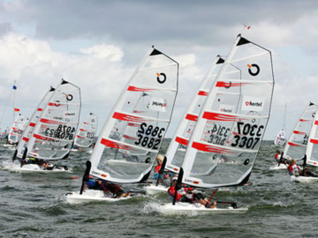 The O'pen BIC fleet competing at Medemblik
