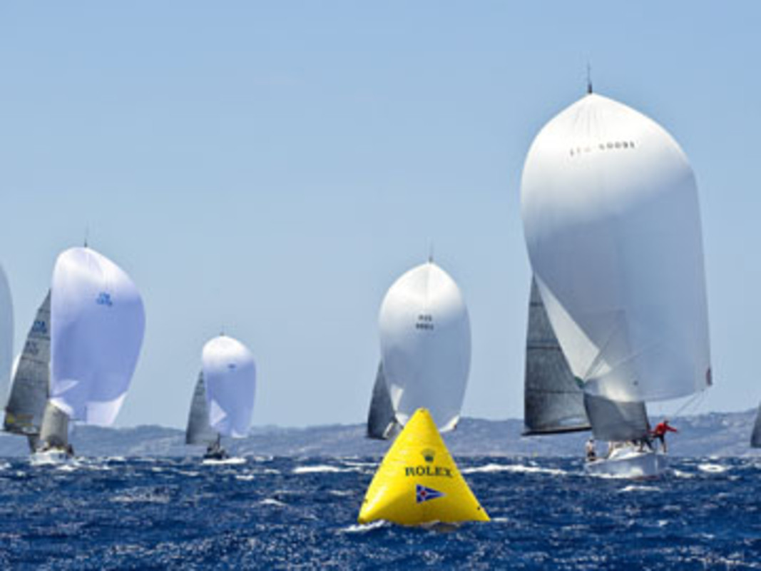 The Farr 40 fleet sailing downwind during the practice race