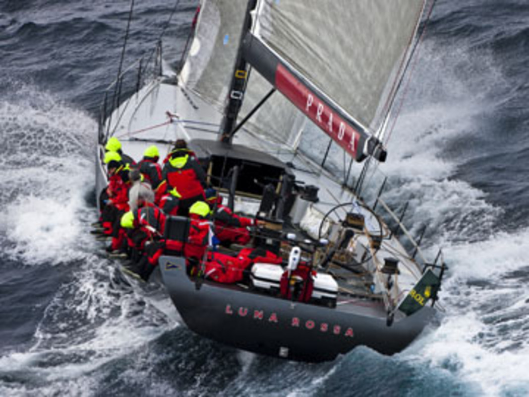 Luna Rossa heading to the Fastnet Rock