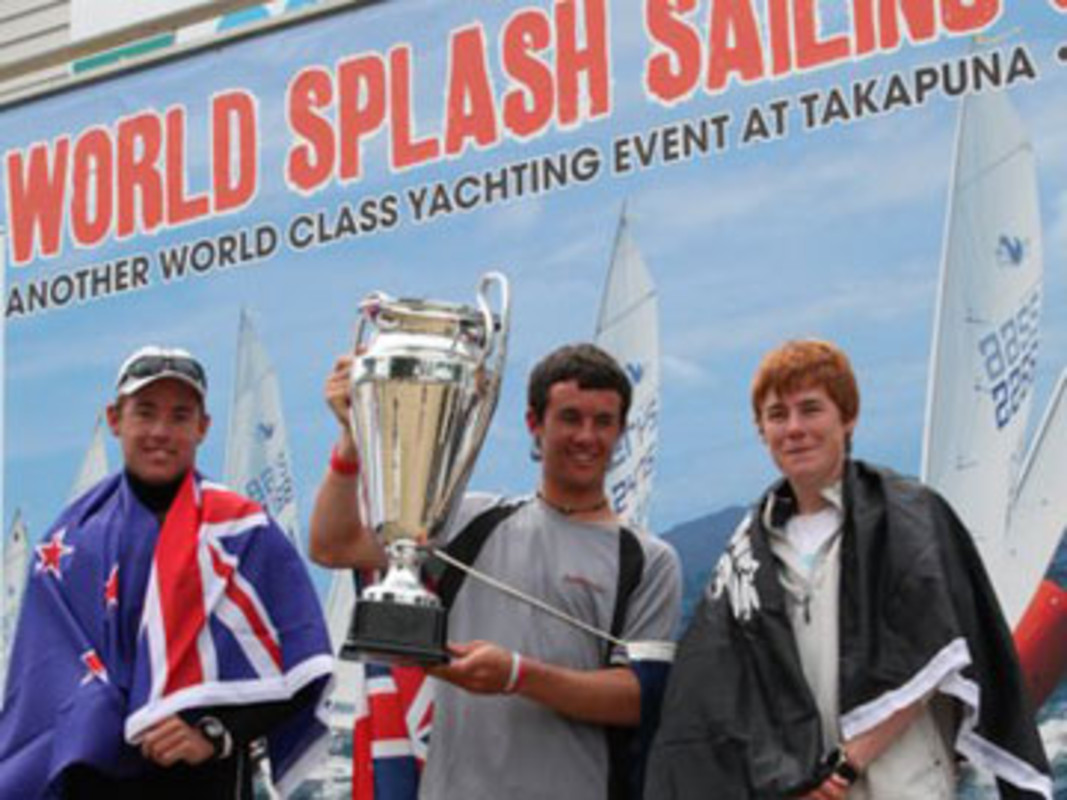 Chris Steele with the Splash World Championship Trophy