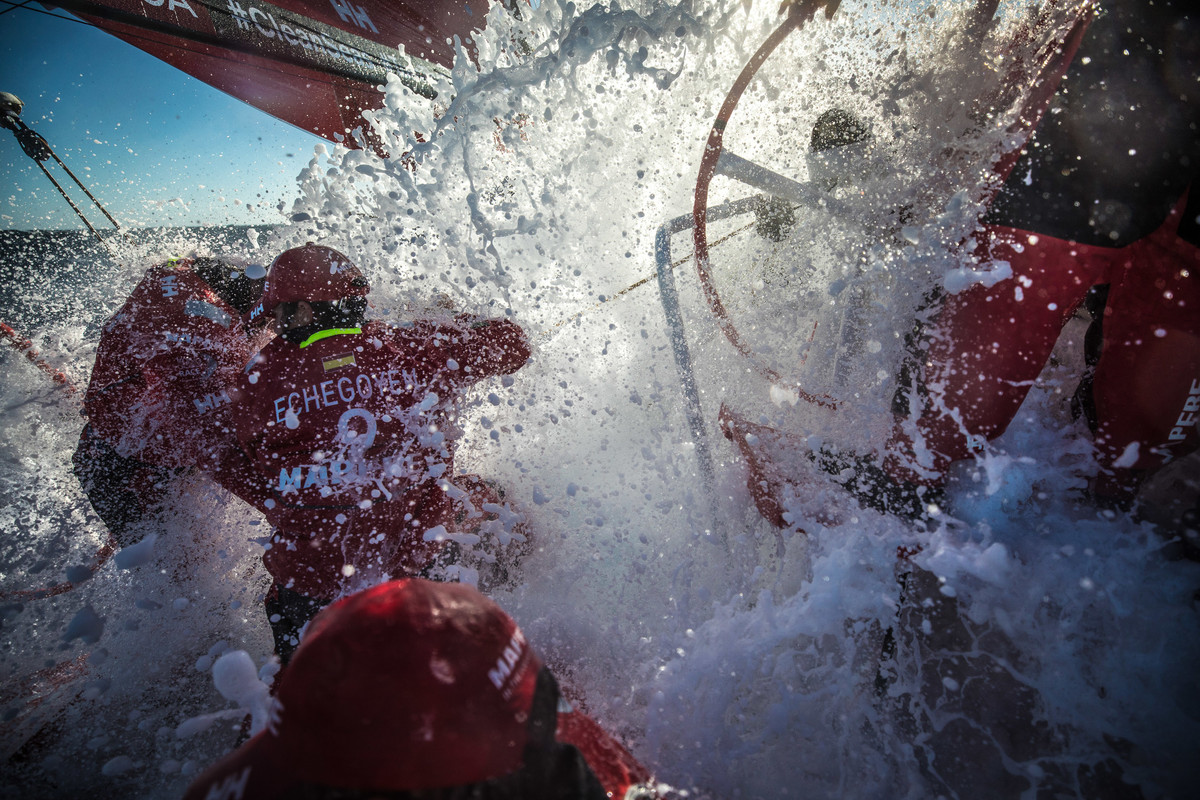 Fast and frightening first night at sea - Volvo Ocean Race