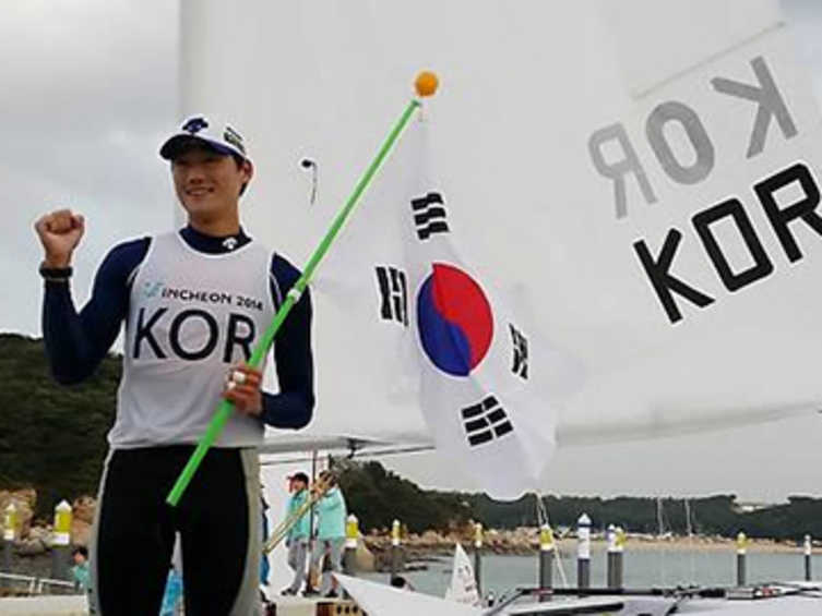 South Korean Gold Rush At Incheon 2014 Asian Games