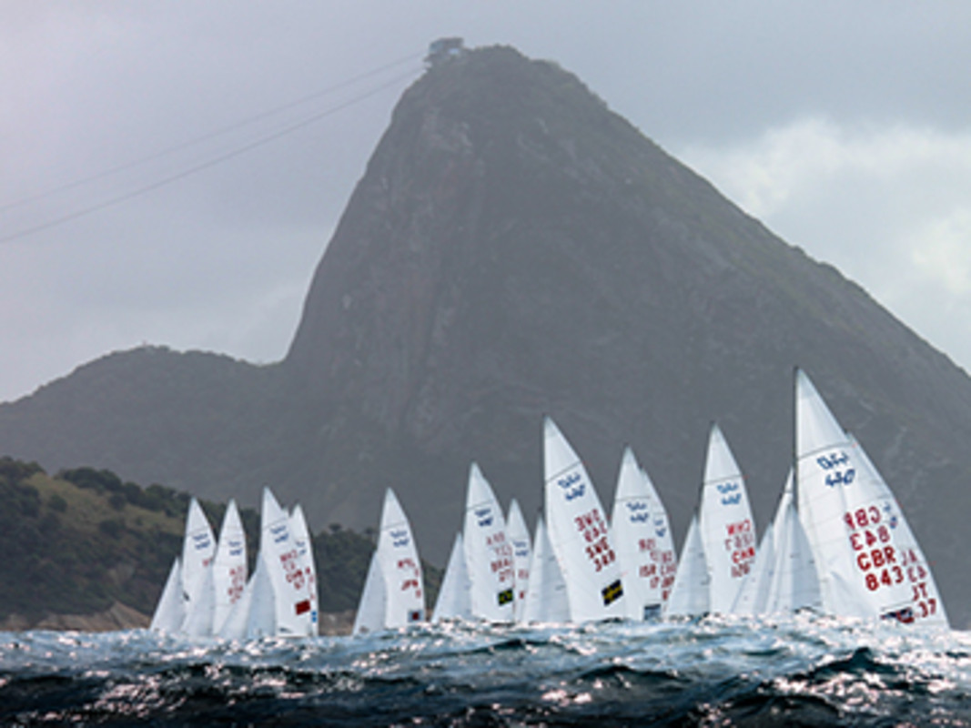 Racing under Sugarloaf Mountain's shadow