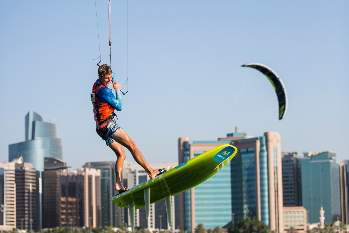 Kiteboarding at the 2015 SWC FInal Abu Dhabi