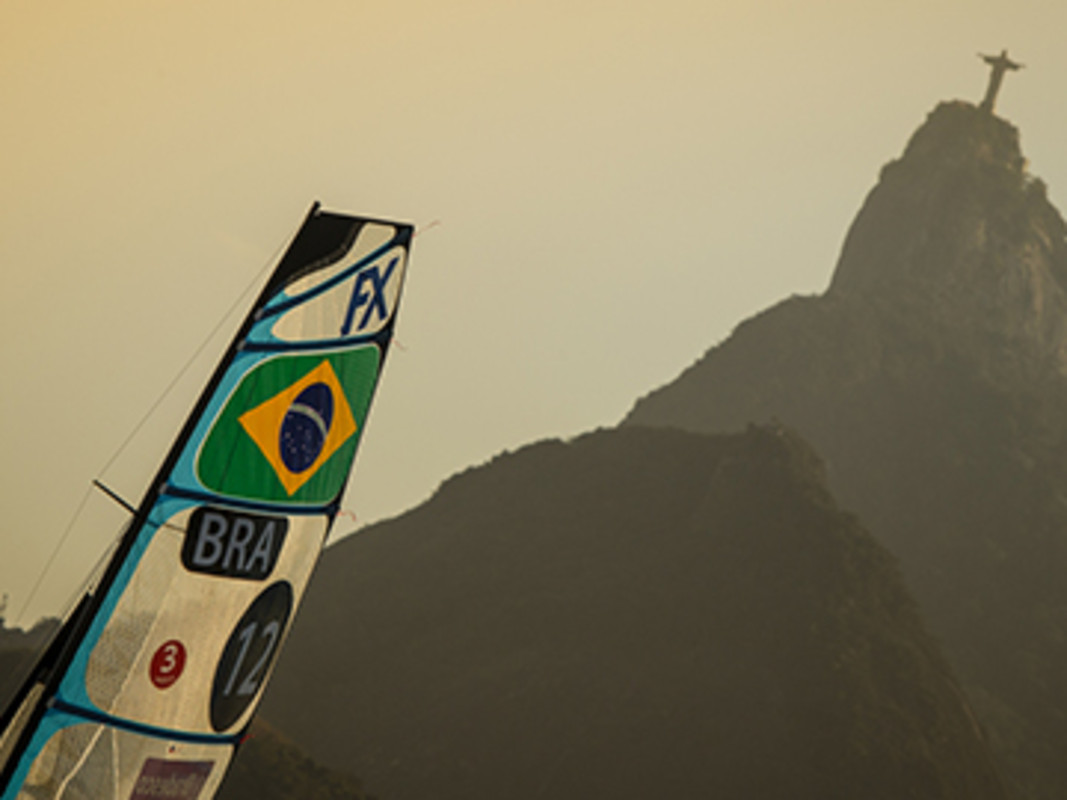 Racing under Christ the Redeemer