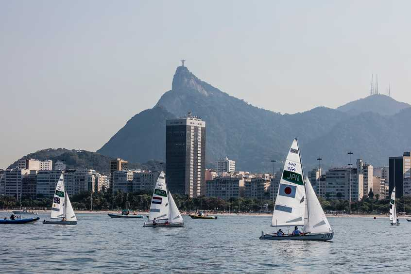 470s sweat it out on windless Guanabara Bay