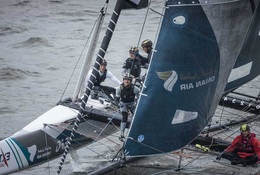 Day three in Hamburg sees Oman Air stay ahead while the rest of the pack reshuffle
