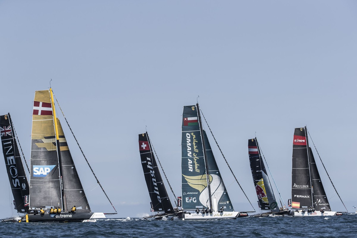 Contact on the course between top spot contenders on penultimate day of Extreme Sailing Series? Act 3, Barcelona