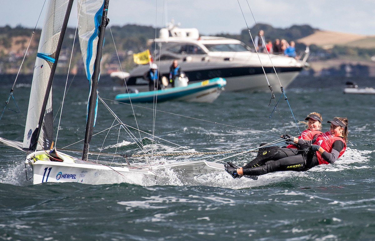 Dutch prosper from Austrian capsize after brothers Fantela won in ten thousand