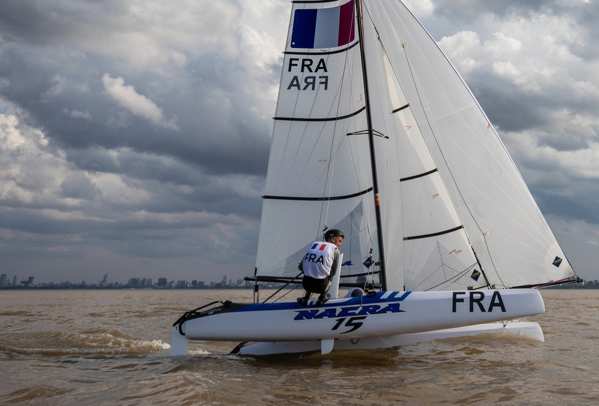 Titouan Petard and Kenza Coutard (FRA) lift a hull just off San Isidro