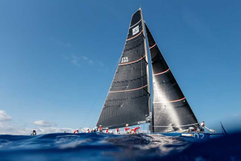 Wide Open, Going to the Wire - 52 Super Series