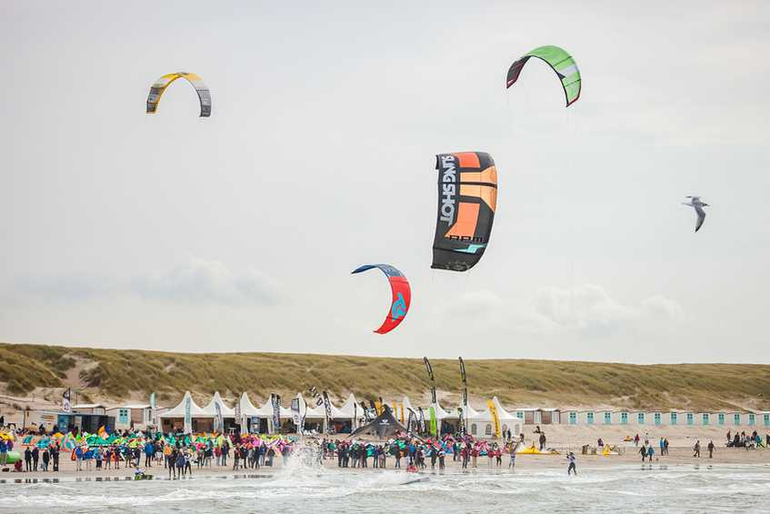 Slow start to Opening Day of 2017 Texel Brunotti Kiteboard World Cup