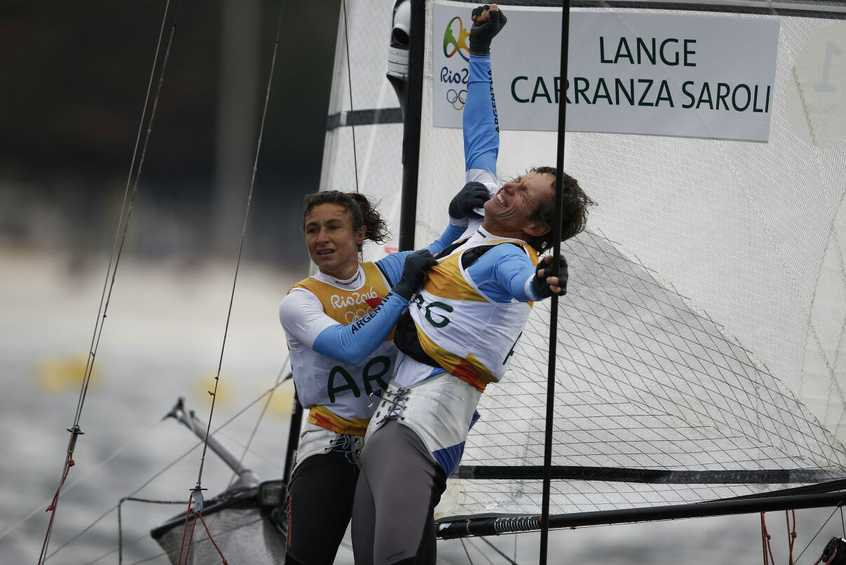 NEWSFLASH - Conquering cancer gives Lange strength to win Nacra 17 gold for Argentina