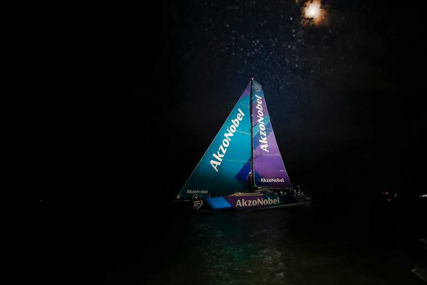 Team AkzoNobel grab podium finish for Leg 7